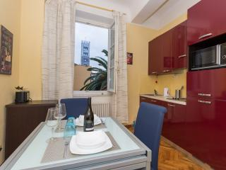 Apartment Michelangelo  - Residence il Duomo - - Lucca vacation rentals
