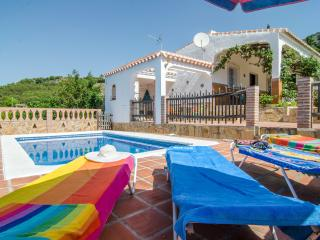 Sunny 2 bedroom Chalet in Frigiliana - Frigiliana vacation rentals