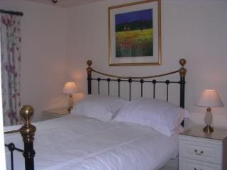 Beautiful Cottage with Internet Access and Wireless Internet - Winchcombe vacation rentals