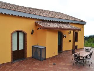 2 bedroom House with Internet Access in Sant'Alfio - Sant'Alfio vacation rentals