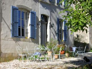Le Manoir - Gîte 4p - swimming pool - Souillac vacation rentals