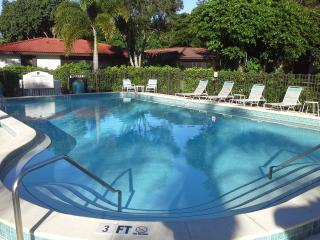 Beautiful Condo faced to the Lake - Bonita Springs vacation rentals