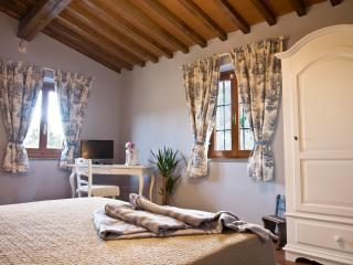 Cozy 2 bedroom Bed and Breakfast in Quarrata - Quarrata vacation rentals
