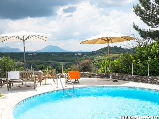 spacious holiday home with private pool - Puimoisson vacation rentals