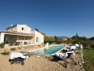 LS2-146 : ROUMANIN in the Natural Park of Luberon - Saint-Saturnin-les-Apt vacation rentals