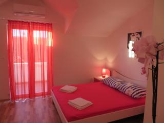 Comfortable Hvar vacation Apartment with A/C - Hvar vacation rentals