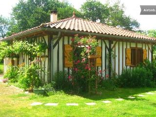 Cozy 2 bedroom Arengosse Gite with Internet Access - Arengosse vacation rentals