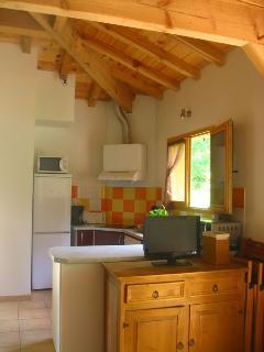 Bright 2 bedroom Arengosse Gite with Internet Access - Arengosse vacation rentals