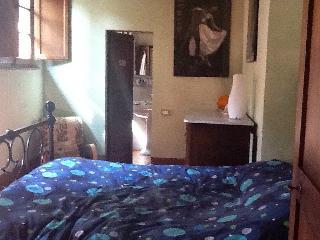Camera con bagno ingresso indipendente - Sovicille vacation rentals