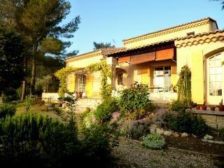 LS6-208 GARRI BABOU close to Avignon - Jonquerettes vacation rentals