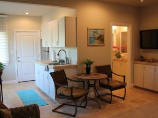 Comfortable Wailuku Studio rental with Internet Access - Wailuku vacation rentals