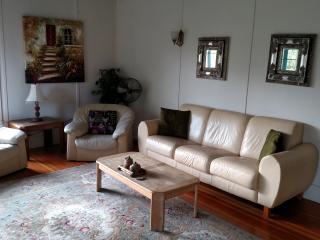 Cozy Cabernet Cabin - Geyserville vacation rentals