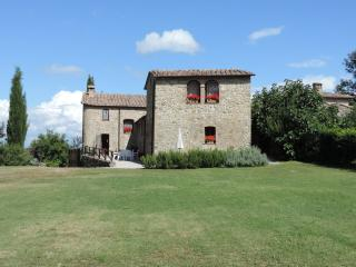 Nice Farmhouse Barn with Central Heating and Satellite Or Cable TV - Travale vacation rentals