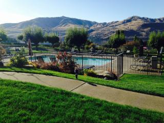 Lake Chelan Shores - 2 Bedroom Condo for Rent - Chelan vacation rentals