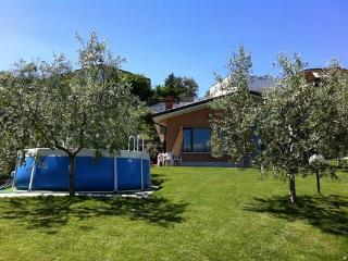 Villa Maggie - with lake view, garden  and pool - Soiano Del Lago vacation rentals