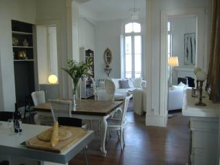 Salies de Bearn Townhouse 2 bedrooms with Garden - Salies-de-Béarn vacation rentals