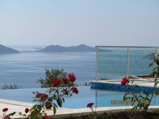 Sunset Apt 3 fab 3 ensuite bedrooms  sleeps 6+1 - Kalkan vacation rentals