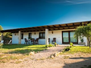 Country house few min from the sea - Rudalza vacation rentals