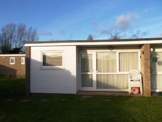 Superior Chalet 29 Burmuda Site Hemsby, Great Yarmouth, Norfolk Broads - Hemsby vacation rentals