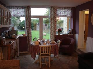 Nice Condo with Internet Access and Garden - Calne vacation rentals