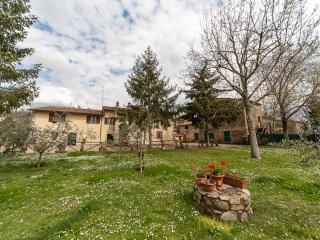 RESIDENZA IL GRIFONE - Province of Arezzo vacation rentals