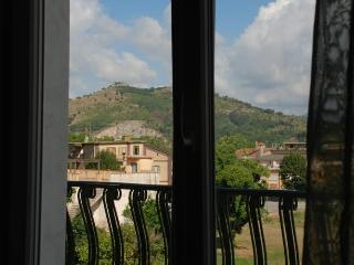 Nice Townhouse with Internet Access and Balcony - Roccapiemonte vacation rentals