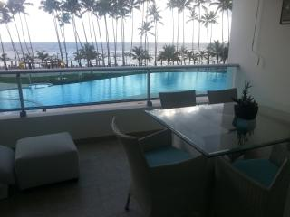 Front Beach apartment - Constanza vacation rentals