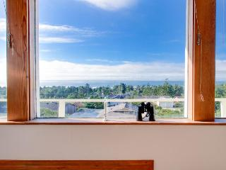 Dog-friendly home w/ hot tub, shared pool, access to Bayshore Beachclub! - Waldport vacation rentals