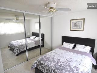 Shared Private Bed & Bath in HOLLYWOOD - Los Angeles vacation rentals