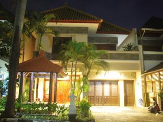Villa SANTAI - KUTA - Kuta vacation rentals