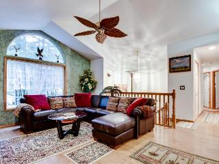 Steps away from the river, plus a hot tub! - Brightwood vacation rentals