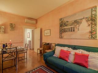 Oasis above the arches loft (sleeps 5) - Florence vacation rentals