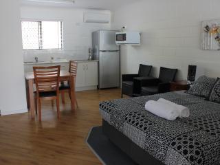 Studio Queen Room - 80 Mitchell Street - Townsville vacation rentals