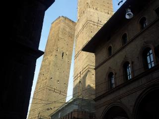 Nice Condo with Dishwasher and Garden - Bologna vacation rentals
