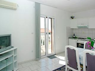 AdriaBol Tanja 4 - Bol vacation rentals