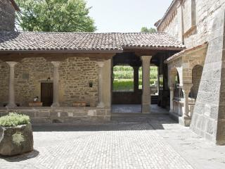 Historical House Medieval Abbey - Al Chiostro - Sotto il Monte Giovanni XXIII vacation rentals