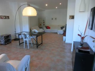 2 bedroom town house perfect for cyclists- hikers. - Bunyola vacation rentals