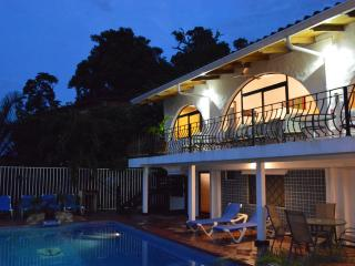 Casa Azul, Puntaneras, Manuel Antonio, Costa Rica, Luxury Villa, Great Views. - Manuel Antonio National Park vacation rentals