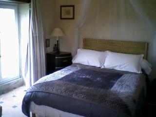 Nice 3 bedroom Chalais (Vienne) Guest house with Internet Access - Chalais (Vienne) vacation rentals
