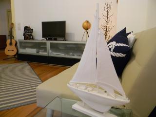 Bright 2 bedroom Cascais Condo with Internet Access - Cascais vacation rentals