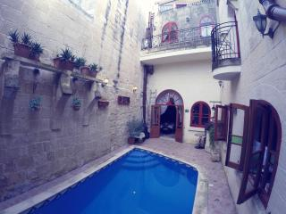 Charming Villa with Internet Access and Washing Machine - Qormi vacation rentals