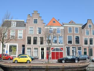 Van Gogh apartment alongside the canal - Leiden vacation rentals
