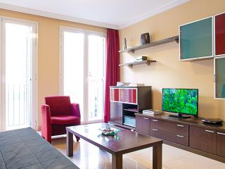At 2 min from Plaza De España (free WIFI) B - Madrid vacation rentals