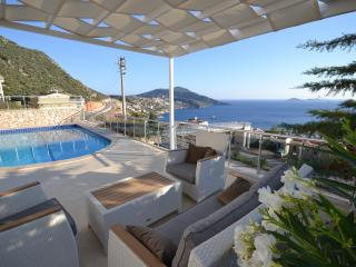4 Bedrooms Villa Teo - Kalkan vacation rentals