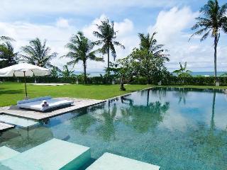 Shalimar: Makanda, 4BR Beachfront Luxury, Canggu - Mengwi vacation rentals