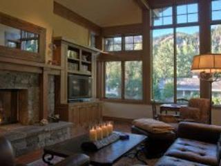 Edelweiss Luxury Vacation Home: Walk into town - Ketchum vacation rentals