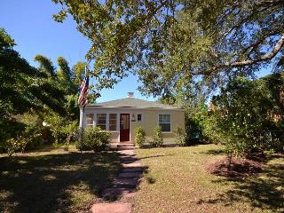 Charmingly Restored Gulfport Cottage! Pet friendly, near Gulfport Beach! - Gulfport vacation rentals