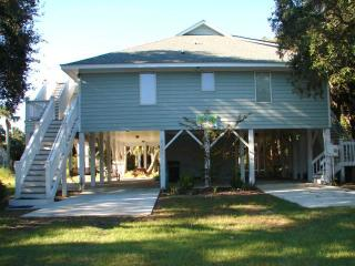"1206 Nancy St - ""E-Z Does It"" - Edisto Beach vacation rentals"