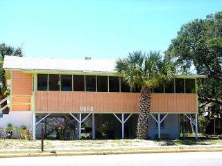 "2305 Palmetto Blvd. - ""Paradise Cottage"" - Edisto Beach vacation rentals"