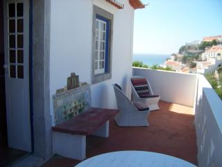 Charming Chalet with Central Heating and Satellite Or Cable TV - Azenhas do Mar vacation rentals